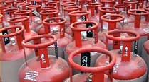 LPG subsidy: Slamming link to Aadhar, trade unions gherao Tewari'shouse