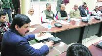 Parties, EC hold first meet on 2014 polls