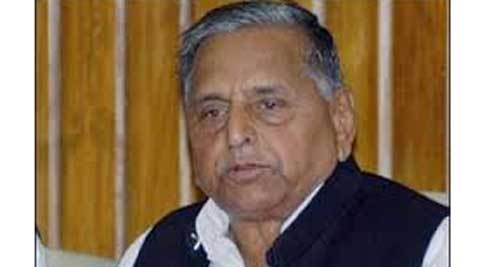 Slamming the UPA government, Mulayam said it was so weak that it has not been able to end starvation despite the abundance of food produced.