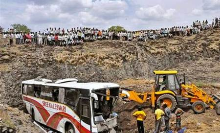 27 dead as bus plunges into valley in Maharashtra:Reports