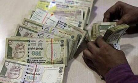 Indian rupee off 1-month lows on suspected Reserve Bank intervention