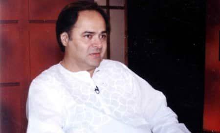 """""""I've never met anyone as kind as Farooq Saab"""" – VashuBhagnani"""