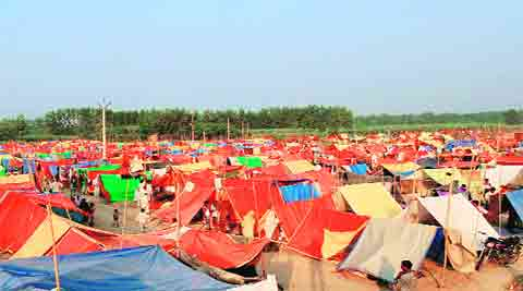 In a memorandum to Shamli District Magistrate KP Singh, the 219 riot-hit families living in plastic tents in Kandhla area demanded shelters in government buildings to escape the biting cold wave.