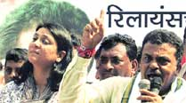 Priya Dutt and Sanjay Nirupam during the protests  on Monday.	Dilip Kagda