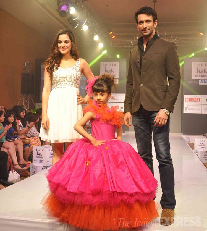 Television actor Nandish Sandhu and actress Shraddha Arya accompanied a little girl resembling a princess in a lovely orange and pink dress. (Photo: Varinder Chawla)