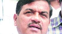 Patil slams RTO, says those with money get driving licences easily