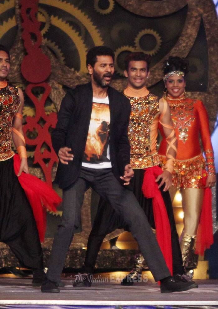 Actor turned director Prabhu Dheva dances on a R...Rajkumar song. (Photo: Varinder Chawla)