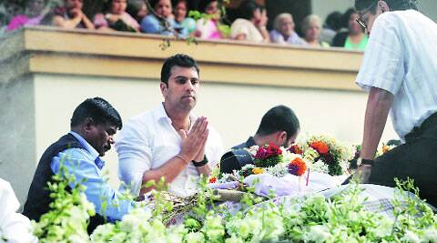 Saurabh Gadgil, grandson of Anant Ganesh Gadgil, at the funeral procession on Friday. Arul Horizon