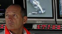 Ron Dennis returns to McLaren pit