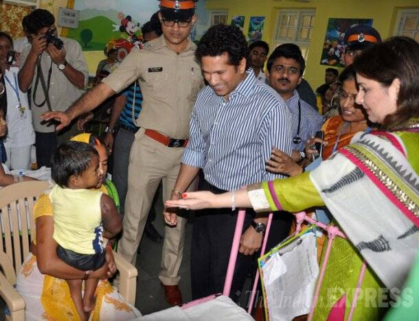 Sachin Tendulkar donates Rs 10 lakh to Bai Jerbai Wadia Hospital
