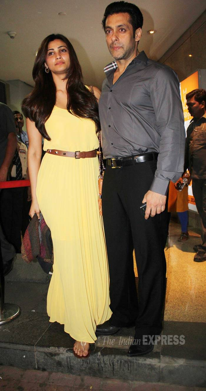 The who's who of Bollywood flocked to the special screening of Salman Khan's  'Jai Ho'  held in Mumbai on Thursday (January 23). <br /><br /> Salman Khan's ex-girlfriend Sangeeta Bijlani, his good friend Preity Zinta, sisters Arpita and Alvira along with the leading ladies - Daisy Shah and Sana Khan - were all seen at the special screening. (Photo: Varinder Chawla) (salmandaisy)