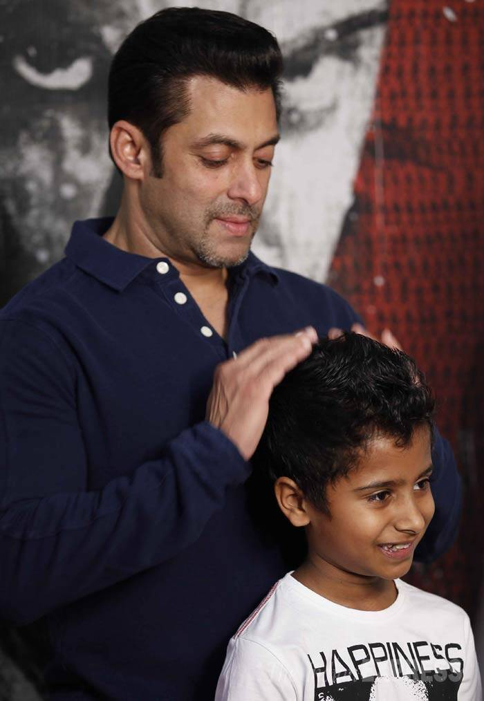 Awww - Salman Khan is in love with little Naman. (IE Photo: Prakash Yeram)