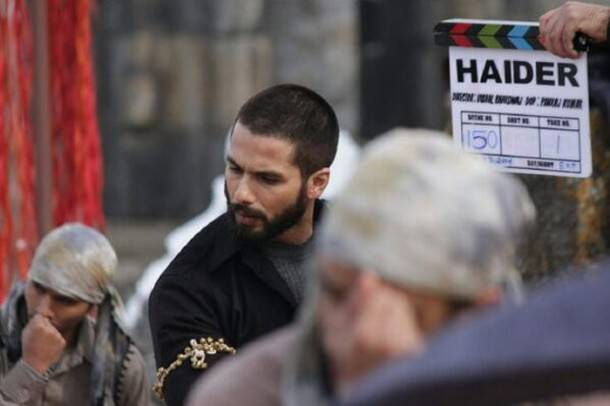 Shahid Kapoor's bald look revealed!