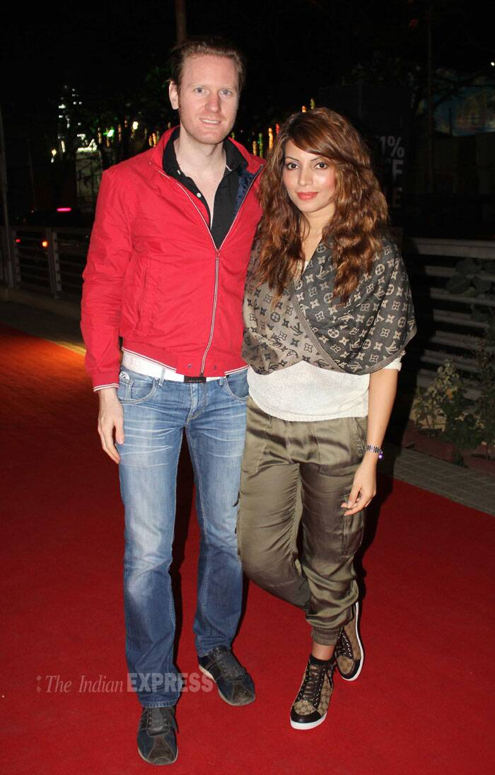Television actress Shama Sikander was also spotted at the screening ith her boyfriend Alexx O' Nell. (Photo: Varinder Chawla)