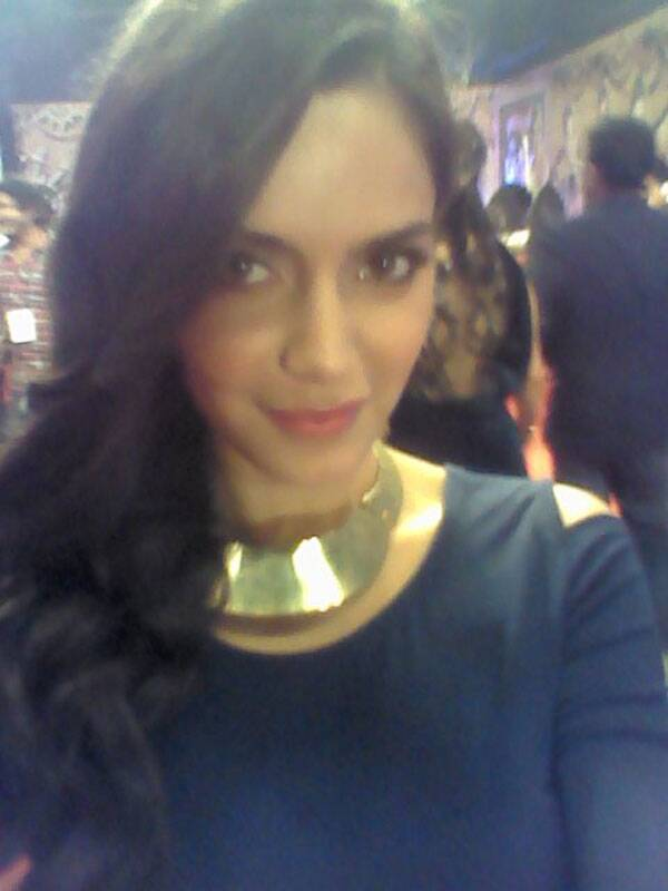 The sweet and sultry Shazahn Padamsee poses for us at the Life Ok Screen Awards.