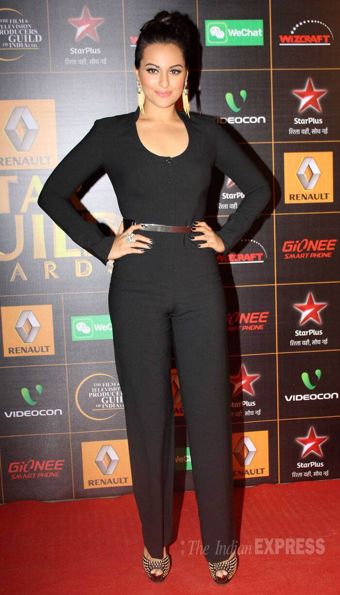 'Lootera' actress Sonakshi Sinha was chic in a black Rachel Roy jumpsuit worn with Atelier Mon earrings. Steve Madden heels were perfect for her sexy jumpsuit. (Photo: Varinder Chawla)