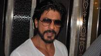 Shah Rukh Khan resumes work, gets a standing ovation