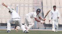 On seesaw day, Sudip Chatterjee and Abhimanyu Easwaran steady Bengal