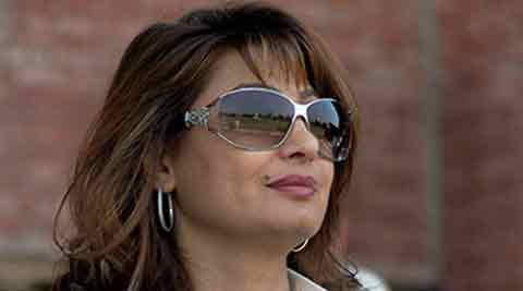 On Saturday, Narayan told The Sunday Express:, I was with Madam (Sunanda) in the morning and I gave her a foot massage around 6.30 am. By the time I finished, Sahab (Tharoor) had left for work.  PTI