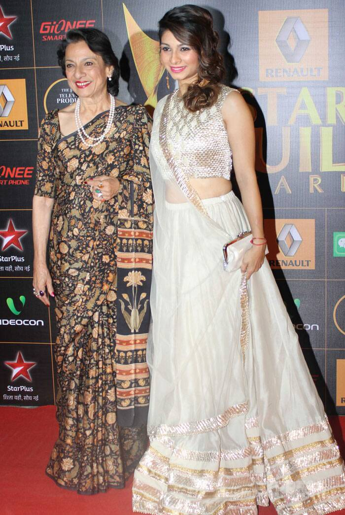 Former 'Bigg Boss 7' contestant Tanishaa was seen with her mother Tanuja. Tanishaa looked pretty in a white net lehenga. (Photo: Varinder Chawla)