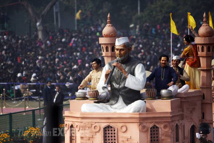The first tableau to roll down is from Uttar Pradesh titled 'Subah-e-Banaras' depicting the splendour of sunrise in Banaras, its ghats and the banks of Ganga at the Republic Day parade. (IE Photo: Amit Mehra)