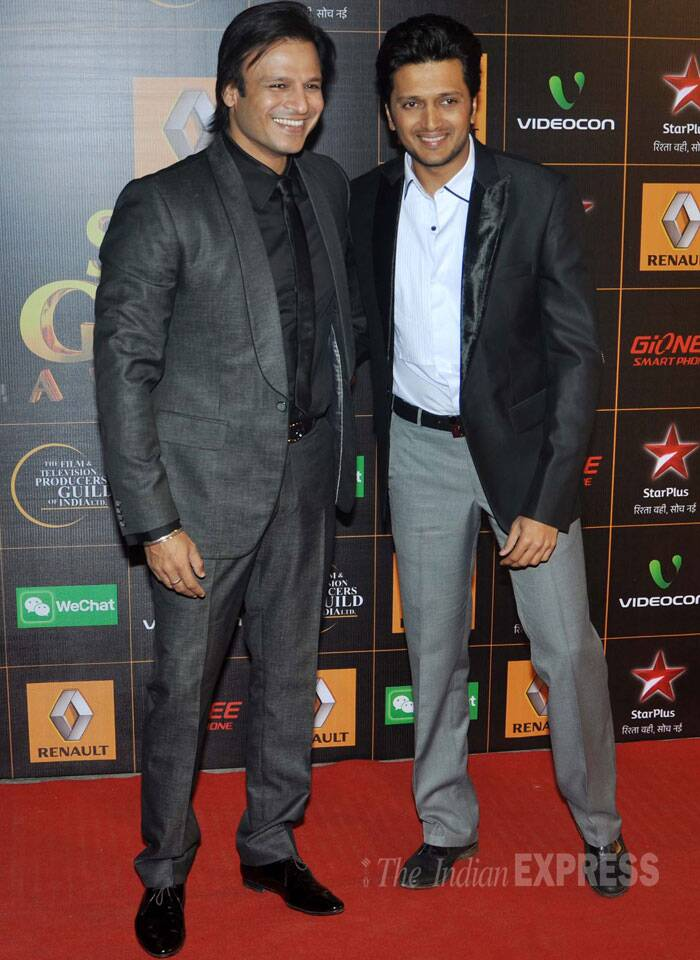 'Kaal' Vivek Oberoi is happy to pose with Riteish Deshmukh. (Photo: Varinder Chawla)