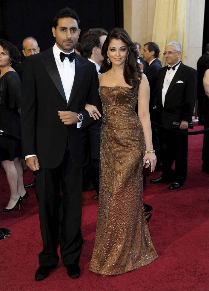 Aishwarya attended the Oscars  with her husband Abhishek Bachchan, who was suave in the formal suit for the event.