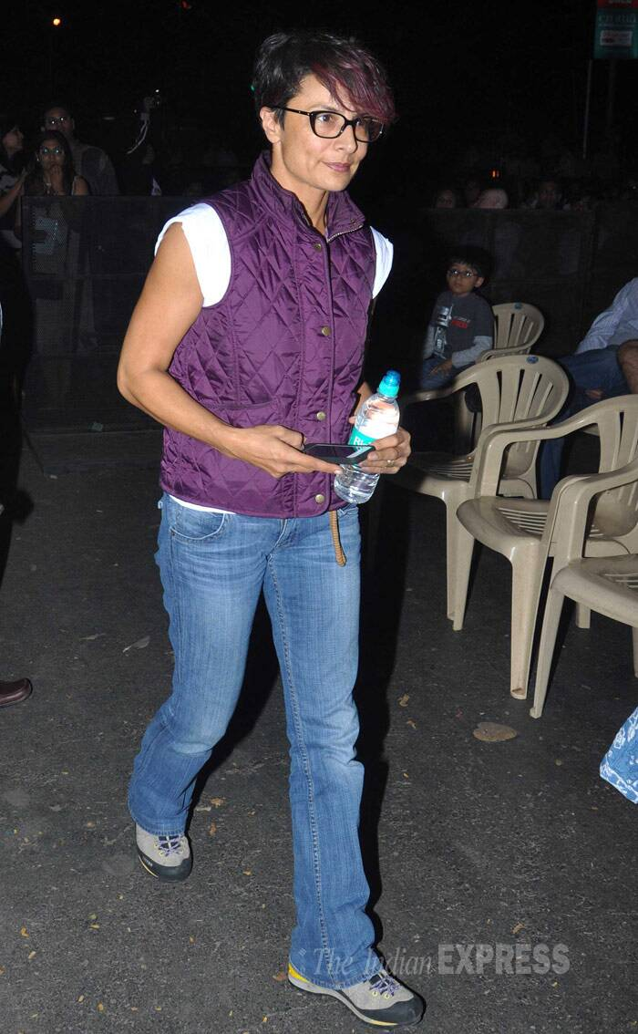 Farhan Akhtar's wife Adhuna Akhtar was causal in a purple sleeveless jacket on denims and sneakers at the concert. (Photo: Varinder Chawla)