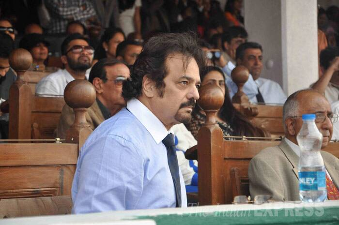 Actor and filmmaker Akbar Khan seems engrossed in the race. (Photo: Varinder Chawla)