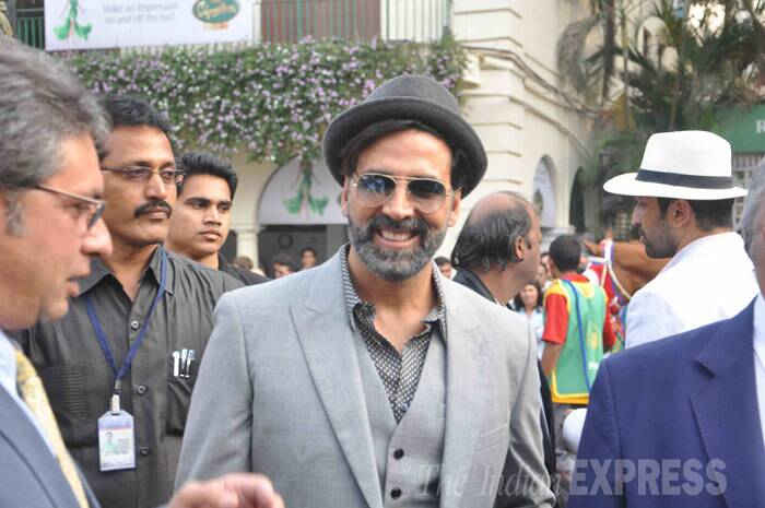 On the other hand, Akshay Kumar was dapper in a grey suit and a matching bowler hat as he arrived at the McDowell Signature Indian Derby. (Photo: Varinder Chawla)