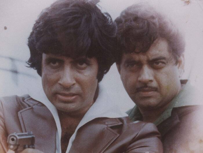 <b>Amitabh Bachchan-Satrughan Sinha</b> Amitabh Bachchan and Shatrughan Sinha's film 'Kaala Patthar' seems to be the main inspiration for Ranveer and Arjun's characters Bikram and Bala in 'Gunday'. In the movie, both Amitabh Bachchan and Shatrughan Sinha share a dark past and bond over their shared disgraced life to turn a new leaf and rise up to the occasion when needed to guard each others' interest. 'Kaala Patthar' is a strong example of brotherhood in Bollywood.
