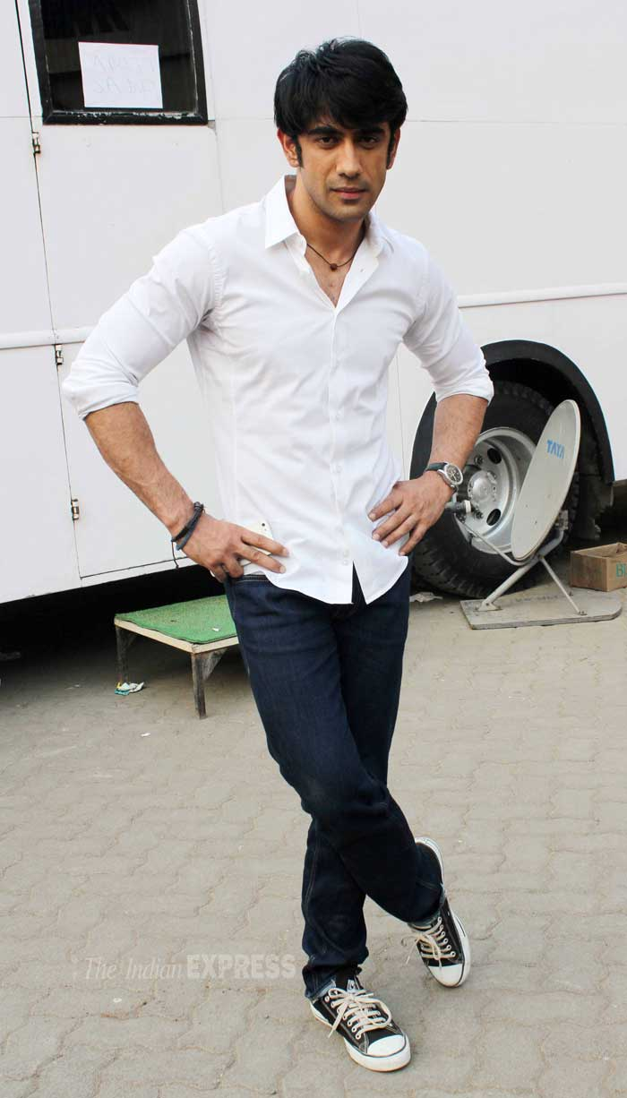 Amit Sadh was hot in a crisp white shirt and dark blue denims with sneakers. (Photo: Varinder Chawla)