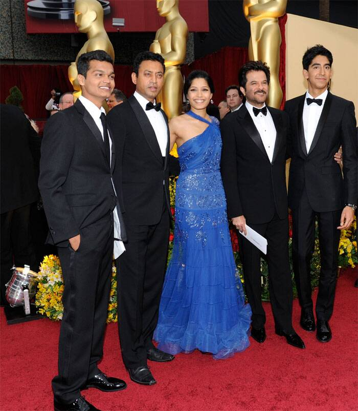 With the backing of 'Slumdog Millionaire', Bollywood brigade comprising Anil Kapoor, Irrfan Khan along with Indian origin actors Dev Patel and Freida Pinto shined at the Academy Awards in 2009.<br /> The men were dapper at the black tie event.