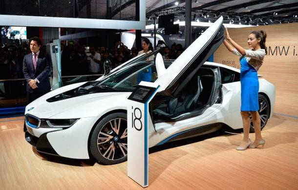 Sachin Tendulkar unveils luxury car BMW i8