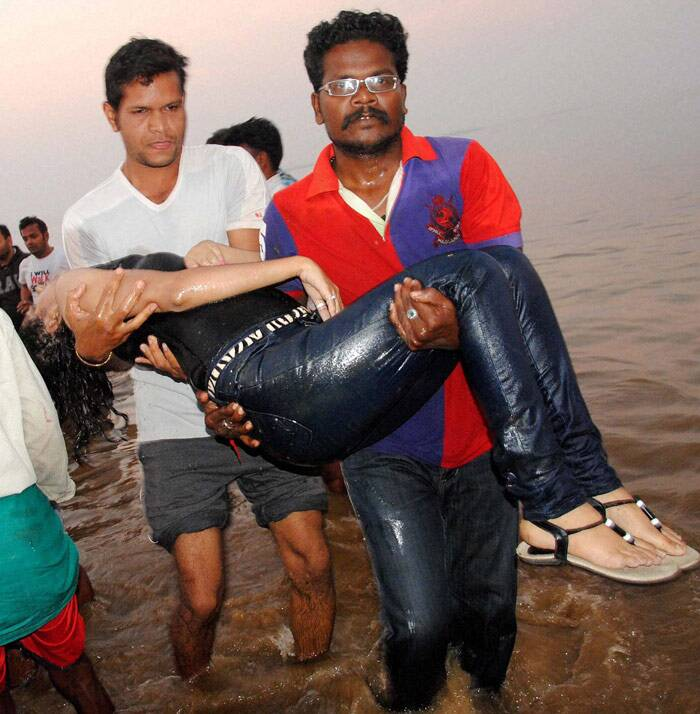 Unofficial sources, however, claimed the rescue teams have recovered 16 bodies from the reservoir of the Mahanadi river. The bodies were taken to VSS Medical College Hospital at Burla and District Headquarters Hospital here. (PTI)