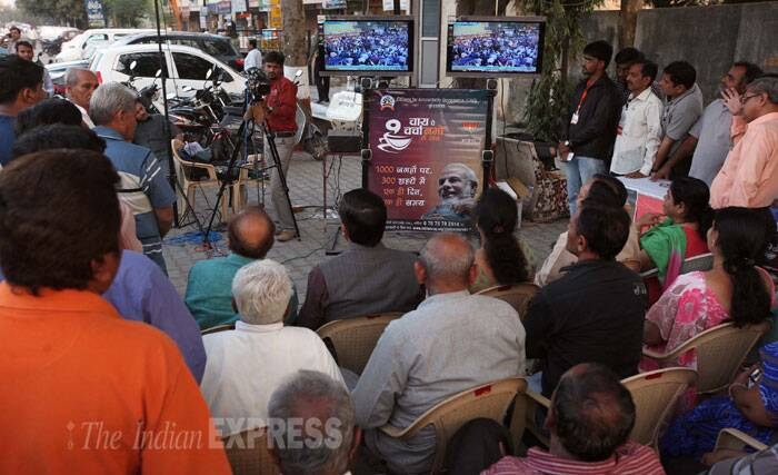 Responding to question on unemployment in Bihar, Modi says the problem is not confined just to Bihar but is prevalent across the country. He says there is an imbalance within India which needs to be fixed. According to him, the western part of India is more developed that the eastern part and this gap needs to be filled. (IE Photo: Bhupendra Rana)
