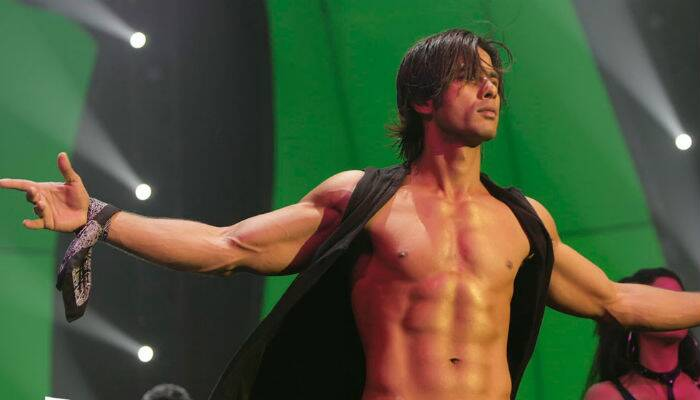 Happy birthday Shahid Kapoor: Bollywood's ' Kaminey' turns 33
