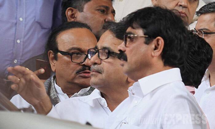 Toll collection row: Raj Thackeray meets Maharashtra Chief Minister, warns of havoc at house