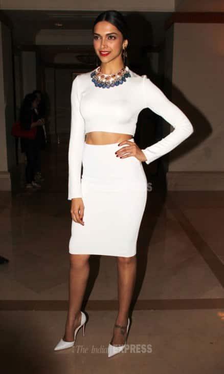 Farhan, Deepika go black n white