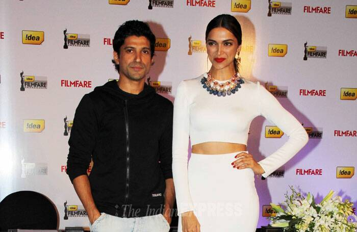 Winners of the Best Actor and Best Actress Award this year, Farhan Akhtar and Deepika Padukone unveiled the magazine's award issue. (Photo: Varinder Chawla)