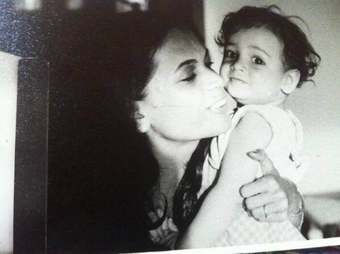 "Can't you already see the aura of a star in those eyes? The cute little kid is none other than Former Miss Asia-Pacific and actress Dia Mirza. Actress-cum-producer Dia Mirza tweeted this picture of hers with her mother on Daughter's Day: ""I just got the most beautiful bunch of flowers and the nicest message from Ma :)"""