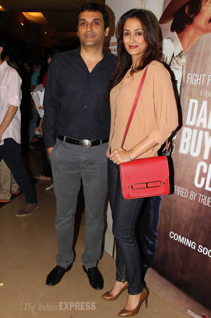 The couple was joined by actress Gayatri Joshi and her husband Vivek Oberoi. (Photo: Varinder Chawla)
