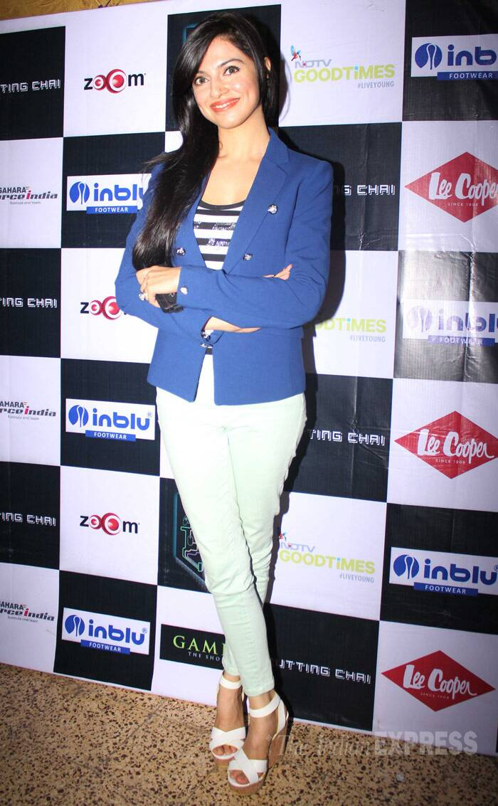 'Yaariyan' director Divya Khosla Kumar was chic in a blue blazer and mint coloured skinnys with white wedges. (Photo: Varinder Chawla)
