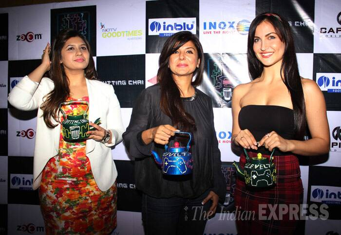 Prachi Desai, Elli Avram enjoy some cutting chai