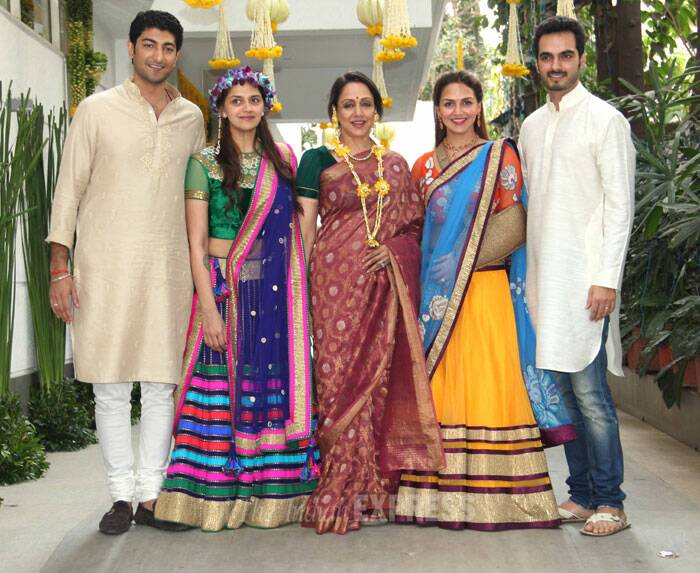 Actress Hema Malini is surely a proud mother as she was simply glowing at the Mehendi ceremony of younger daughter Ahana who will wed Delhi based fiancé Vaibhav Vora on February 2. Also seen is sister Esha who was accompanied by her husband Bharat Takhtani. (Photo: Varinder Chawla)