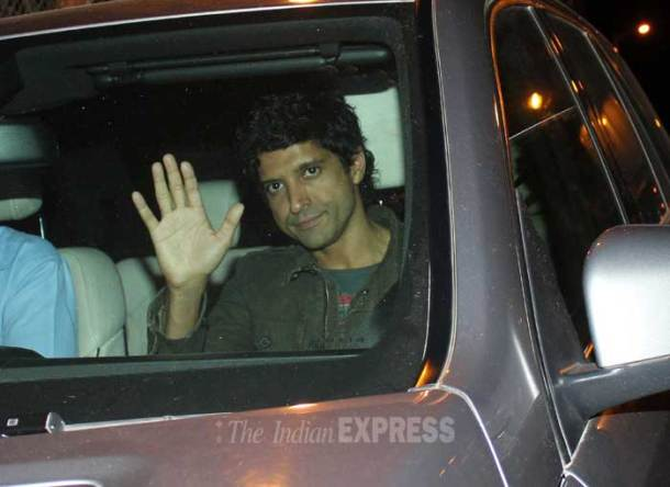 Farhan Akhtar skips screening of Shaadi Ke Side Effects, to party with SRK