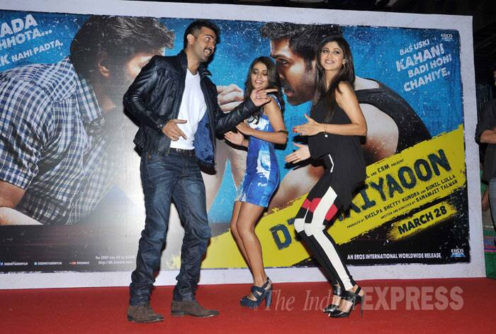 Ayesha, Harman and Shilpa shake a leg together. (Photo: Varinder Chawla)