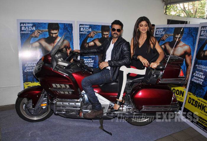 Film's lead actor Harman Baweja arrives in style with Shilpa Shetty. (Photo: Varinder Chawla)