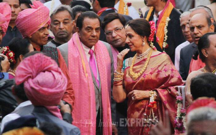 The parents of the bride, Hema Malini and Dharmendra were all geared up for the festivities. (Photo: Varinder Chawla)