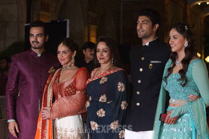 Mum-in-law Hema Malini poses with her sons-in-law Bharat and Vaibhav and her daughters Esha and Ahana. (IE Photo: Dilip Kagda)